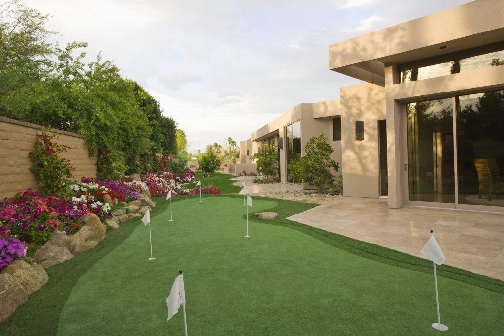 golfing house